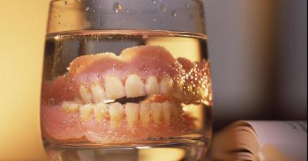 dentier-verre-dent